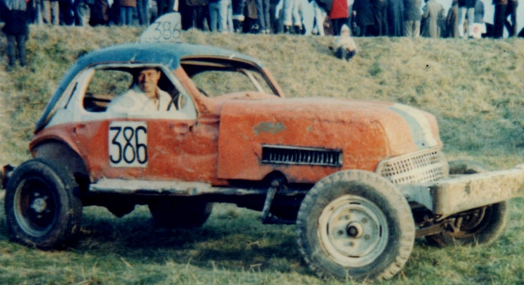 Mid 1960's picture of Barry VD Oetellar in his BriSCA F1